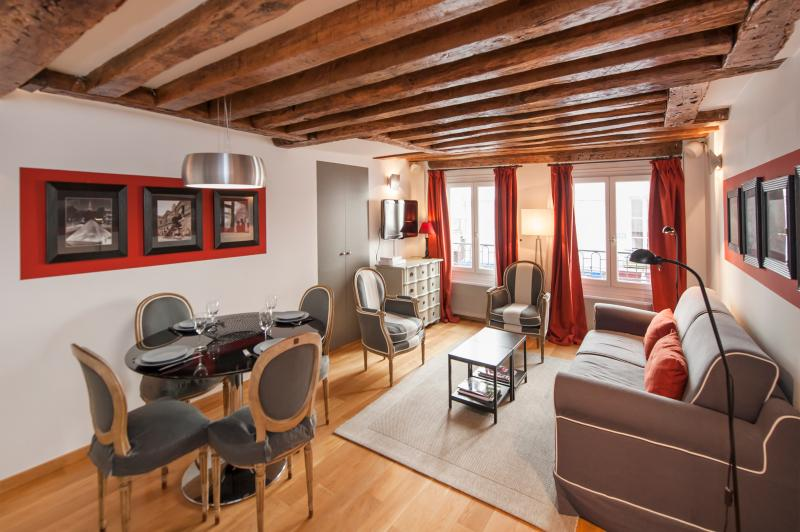 Cosy 1BD/1BTH  on rue Saint Honoré near the Louvre Museum, vacation rental in Aubervilliers