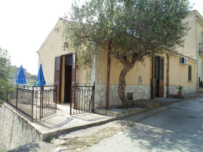 Le tegole di casa Lamia, holiday rental in Dattilo