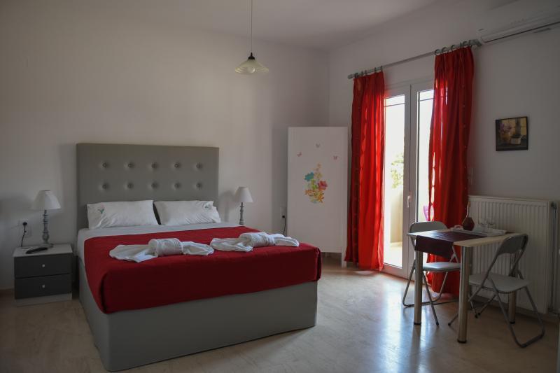 Dora apartment, holiday rental in Ammoudi
