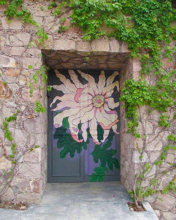 Florecer Casitas front gate.  Look for the FLOWER.