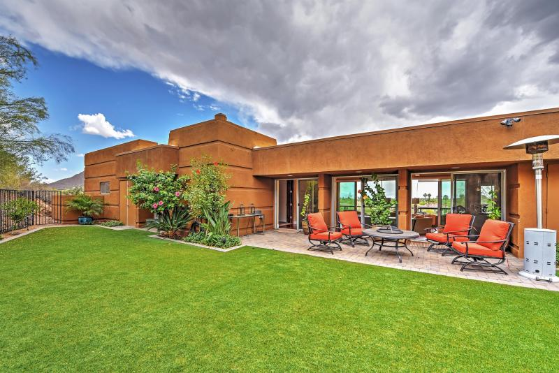 Let this remarkable Paradise Valley vacation rental house serve as your own personal oasis in sunny Arizona!