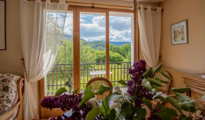 Talloires - Maison de famille 4 chambres, holiday rental in Alex