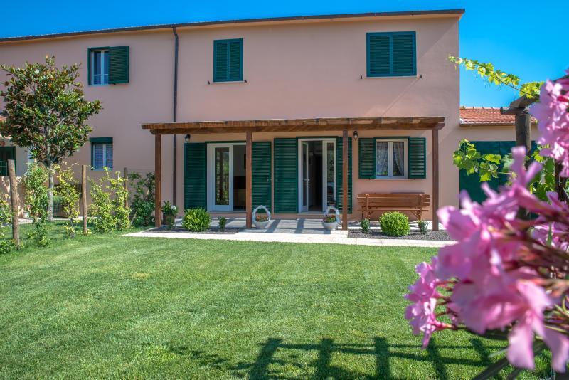Agriturismo vicino Castiglione della Pescaia, holiday rental in Tirli
