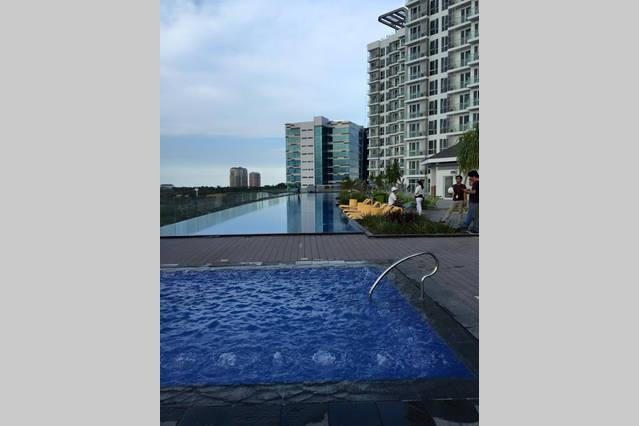 Mactan Newtown Executive Fully Furnished w/ pool, holiday rental in Lapu Lapu
