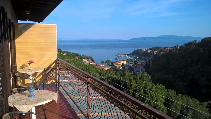 Apartment Sara 2(Opatija;Ičići), vacation rental in Opatija