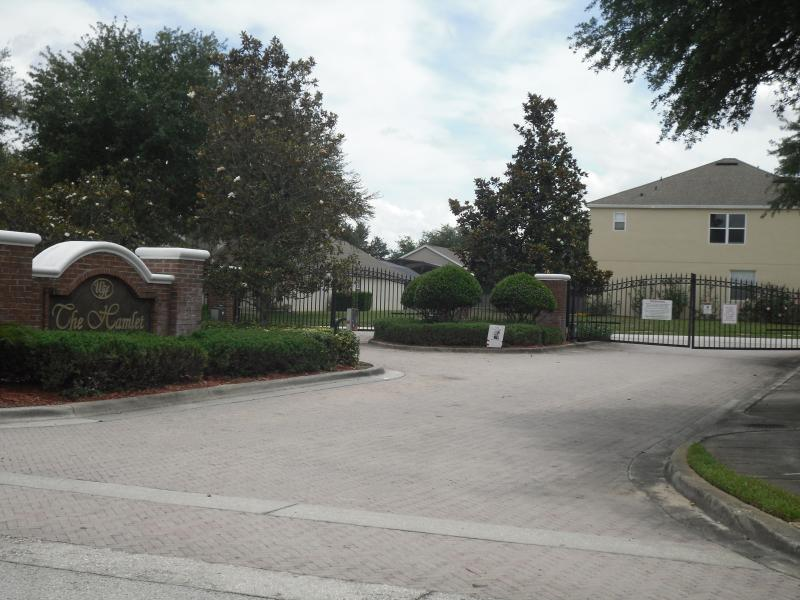 Arriving at the gated community of Hamlet at Westhaven