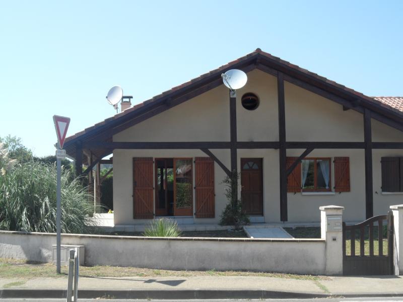 Maison familiale landaise, location de vacances à Ternant