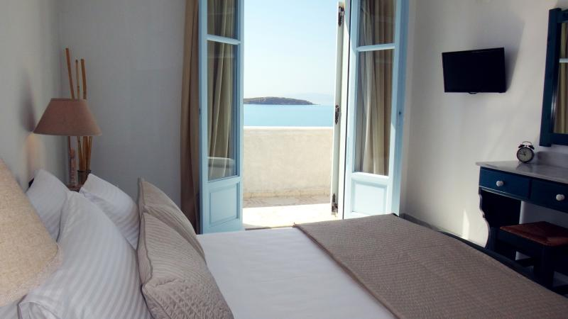 Blue and Sea Maisonette Aegean View, vacation rental in Nea Chryssi Akti