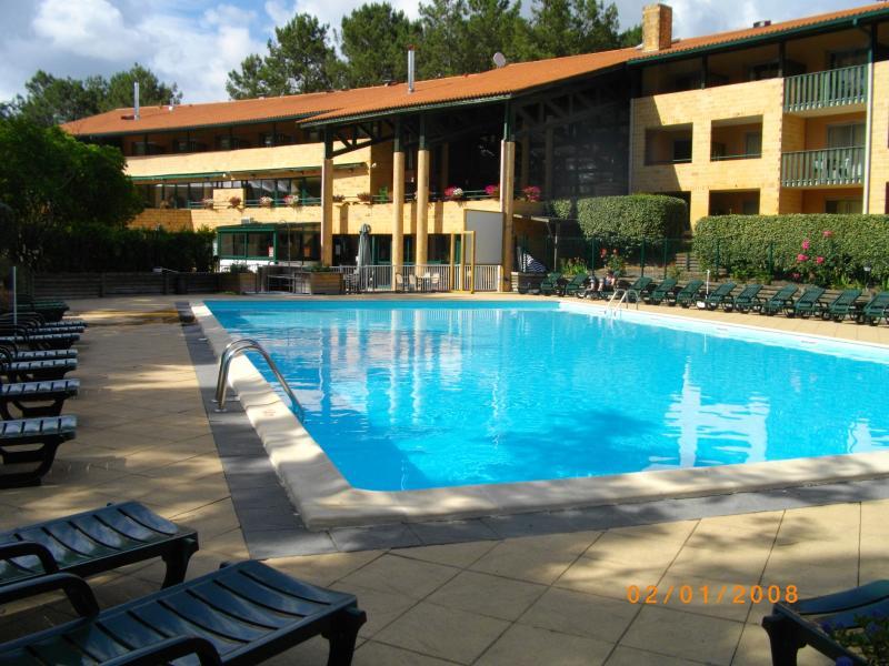T3 dans résidence avec piscine, 6 couchages, vacation rental in Lacanau-Ocean