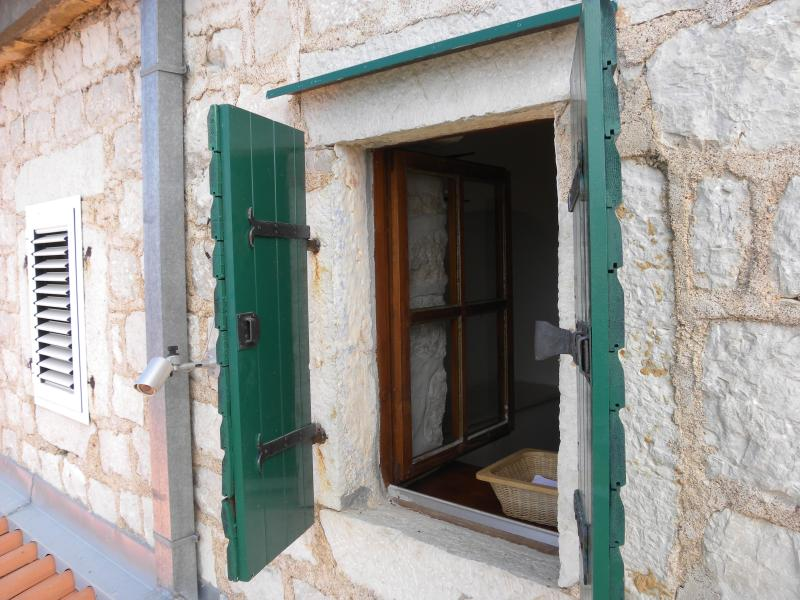 Traditional style windows
