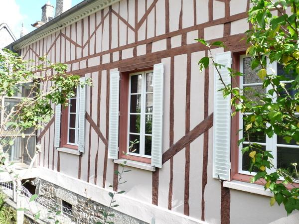 Charming half-timbered house tucked away in the heart of Dinan