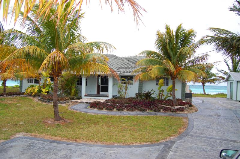 Oceanfront Home, Truck with 15' Boat Included!, holiday rental in Grand Bahama Island