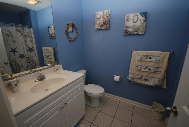 Up Hall Bathroom - 28 Kaitlyn Dr