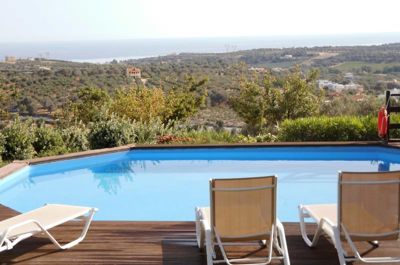 VILLA IRIS MAROULAS RETHYMNO, vacation rental in Rethymnon