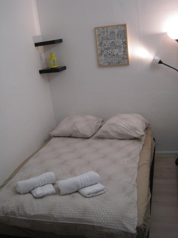 Chambre du fond et le lit double, 140x190