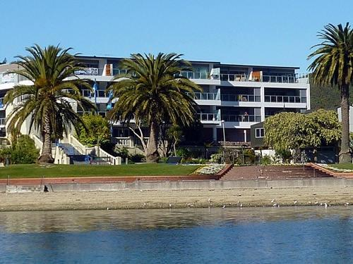 Quay Apartment Building