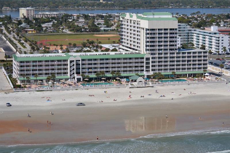 OceanFront 5th Floor Studio - Daytona Beach Resort, holiday rental in Daytona Beach