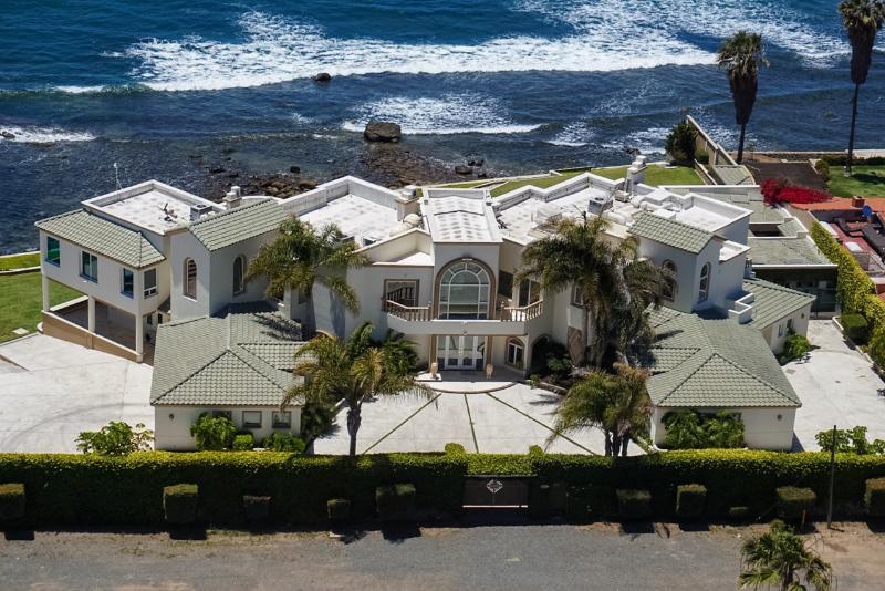 LA MANSION ENSENADA,OCEAN FRONT ESTATE, vacation rental in Ensenada