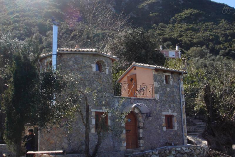 Castello, holiday rental in Vatos