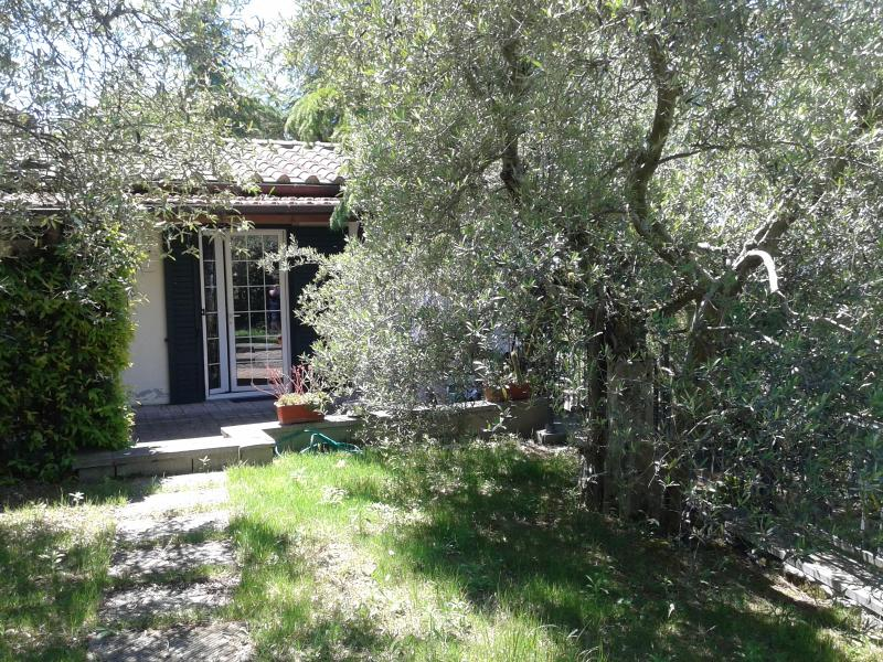 Cottage indipendente ' I 2 Pini', vacation rental in Borghetto