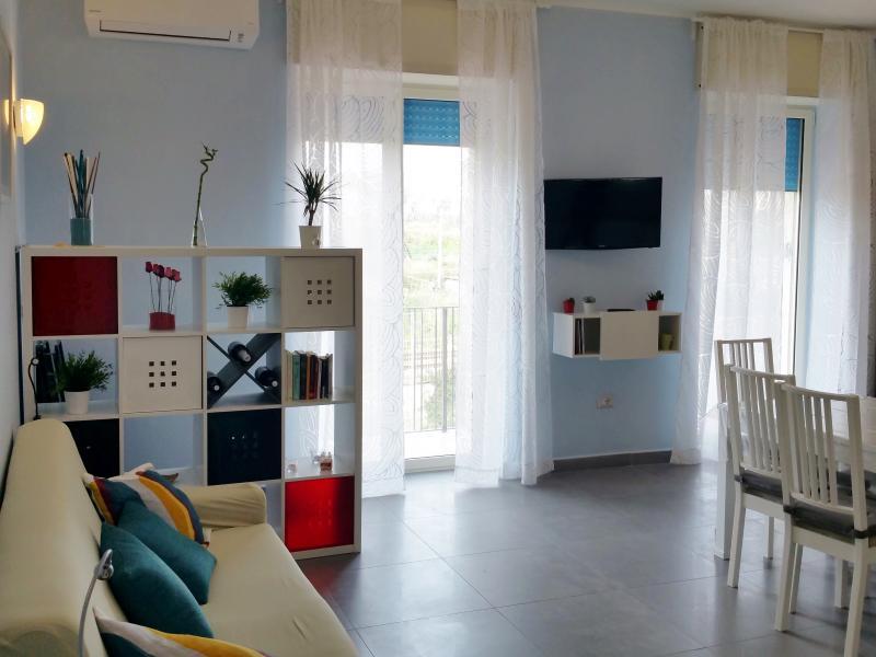 Open space con cucina di m.3,60 e divano letto 2 posti