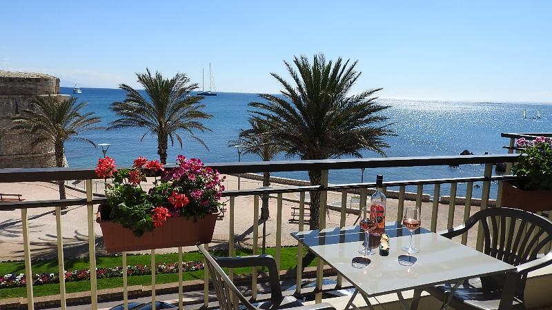 Sea view on Balcony