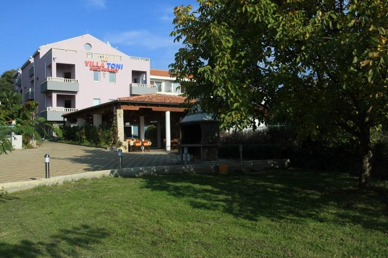 Villa Toni - Apartment, vacation rental in Sveti Filip i Jakov