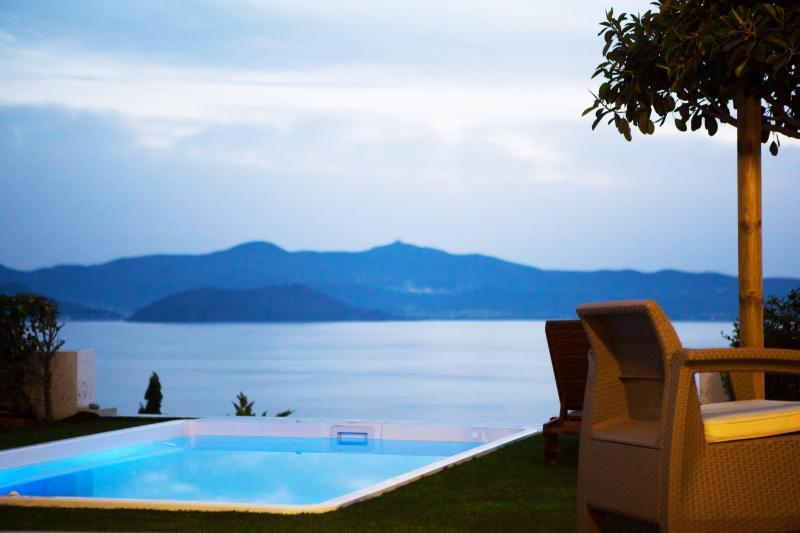 Diadema Villa |Private Sea View Villa in Naxos, aluguéis de temporada em Naxos