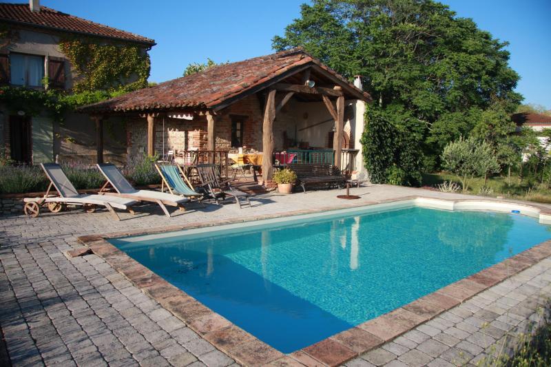 Gite rural piscine privative, holiday rental in Graulhet