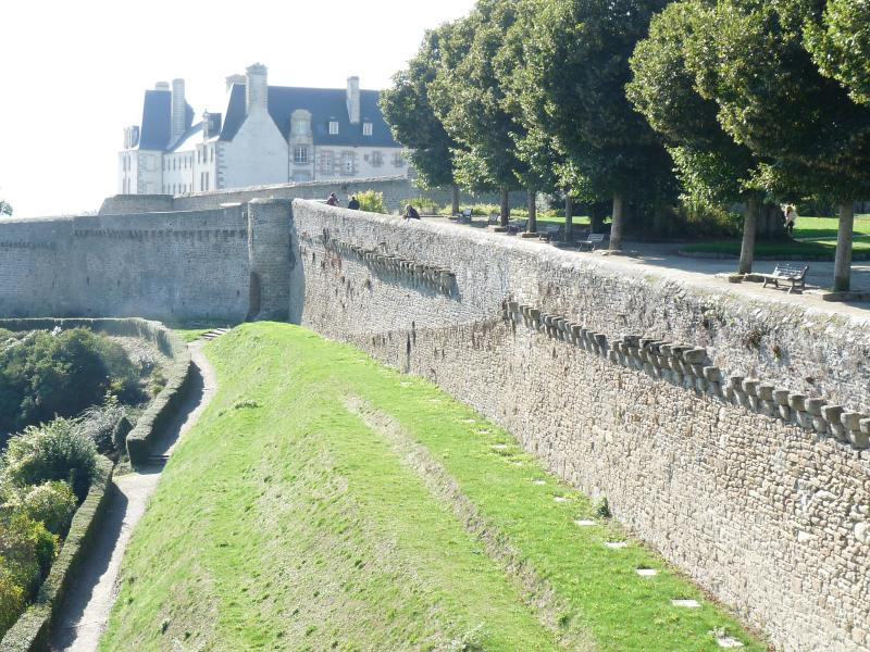 Remparts of Dinan on your doorstep