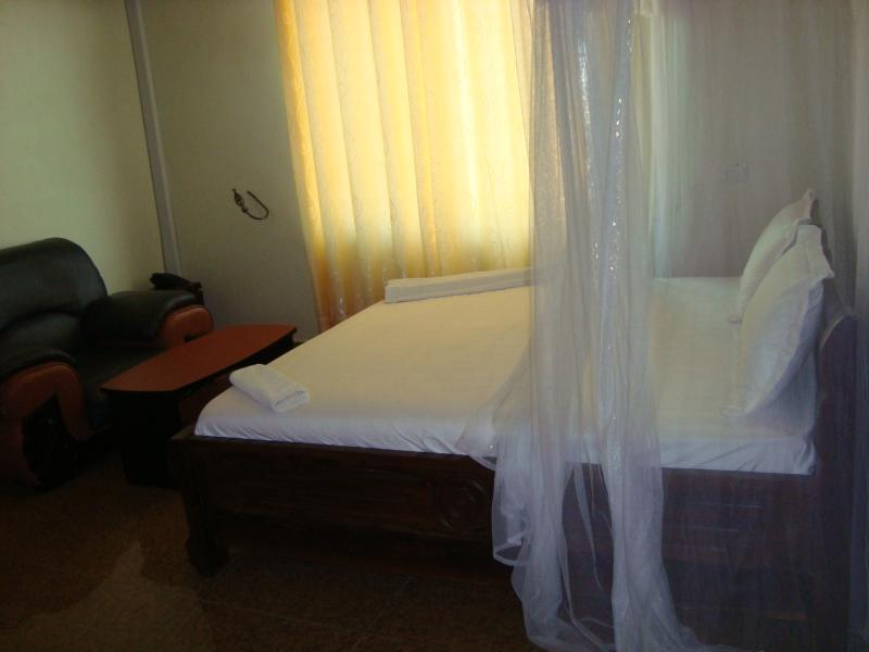 Standard Double Room, location de vacances à Dar es Salaam