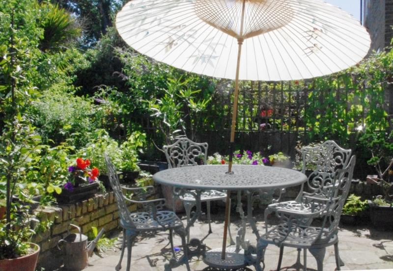 Large back garden with plenty of places to relax!