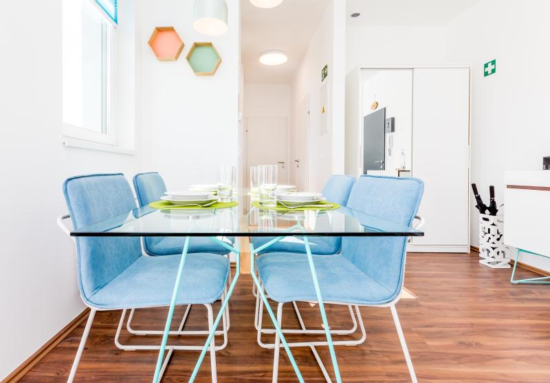 Dining Table for 4 persons