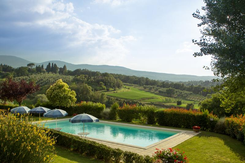 Apartment Camelia in Country house with pool, holiday rental in Cetona