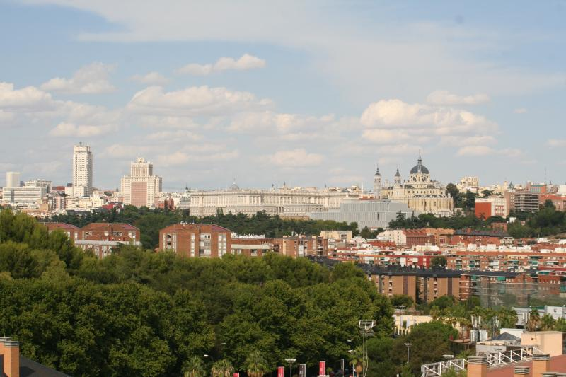VISTAS ESPECTACULARES DE MADRID, holiday rental in Mazo