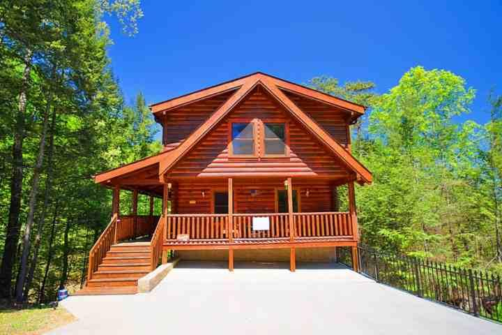 Welcome to American Pie! A beautiful cabin in the Brookstone Resort Community of Pigeon Forge!