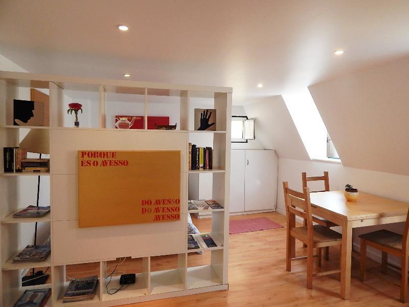 Studio in Alfama, vacation rental in Barreiro