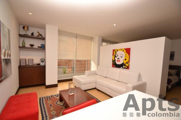 Veronica B 1 Bed Executive Studio Apartment With Walk In Closet Zona T