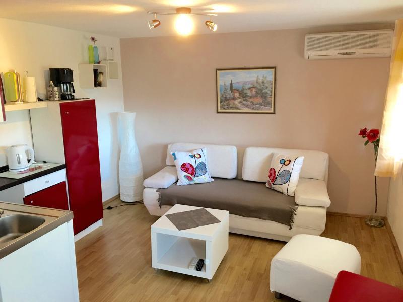 Casa Anica Apartment Gardensuite, casa vacanza a Orebic
