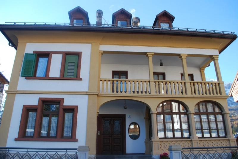 Villa iris, 130mq nel centro di Cortina, holiday rental in Province of Belluno