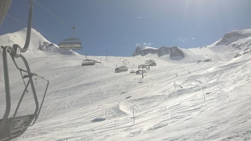 Kitzsteinhorn May 2016. Great skiing and very quiet