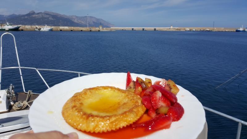 Zeadas & strawberry A typical Sardinian dessert