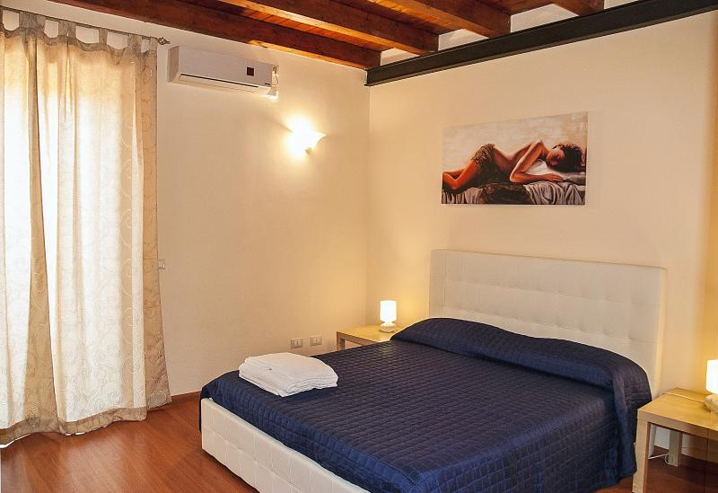 KATANE HOLIDAYS  Bellini apartament With Balcony, holiday rental in Raddusa