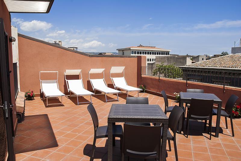 KATANE HOLIDAYS  Verdi  Apartment con Camera Tripla Superior, holiday rental in Raddusa