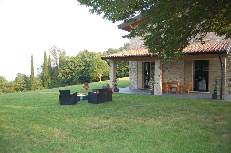 Casa del Castagneto Country House, holiday rental in Gargnano