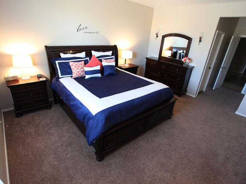 Traditional master with king size bed