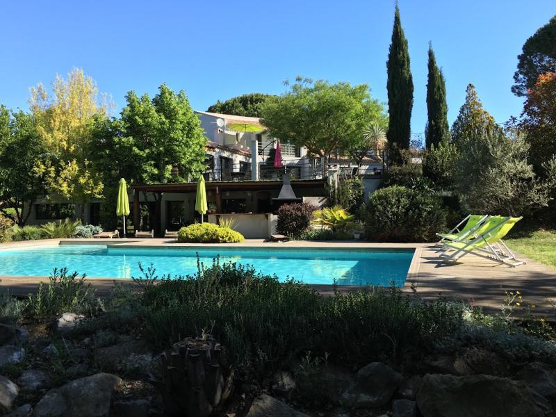Exceptionnel - Bastide restaurée Feng Shui Pays d'Aix en Provence, location de vacances à Pourrieres