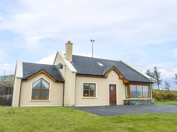 Number 7, Lispole, County Kerry, holiday rental in Cloghane
