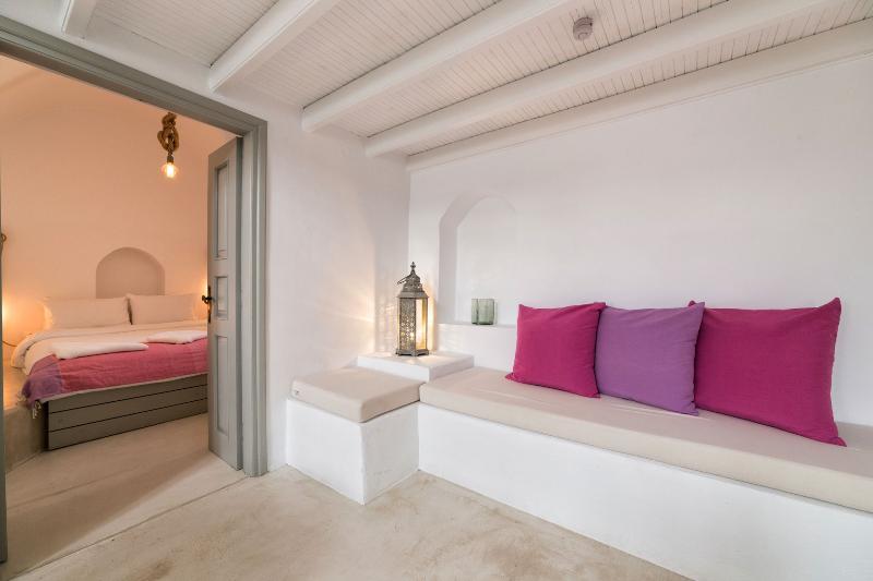 Kampanario Luxury Villa, aluguéis de temporada em Kato Poria