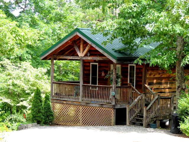 Gaestehaus Salzburg, Edelweiss Cabin, holiday rental in Lake Lure